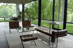 Aujourd´hui Valéry: Glass House_by Philip Johnson Philip Johnson Glass House, Johnson House, Minimalist Architecture, Architecture Design, Glass House Design, Outdoor Dining, Outdoor Decor, House Viewing, House Inside