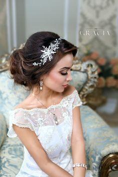 Beach wedding hair accessories