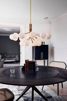 Glass Ball Chandelier is a typical modern chandelier Designed by Sofie Refer for the Danish Nuura. Apiales is a stunning modern chandelier. Design Hotel Paris, Home Luxury, Lampe Gras, Nordic Lights, Dining Room Light Fixtures, Design Living Room, Design Logo, Modern Chandelier, Chandeliers