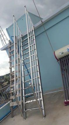 Steel Bed Design, Steel Stairs Design, Staircase Railing Design, Modern Stair Railing, Balcony Railing Design, Home Stairs Design, Stainless Steel Stair Railing, Stainless Steel Handrail, Main Gate Design