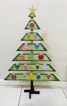 Grinch Christmas Tree Decorations Decorating Ideas Ideas For 2019 Grinch Christmas Tree Decorations, Elegant Christmas Trees, Ribbon On Christmas Tree, Alternative Christmas Tree, Christmas Tree Crafts, Wooden Christmas Trees, Homemade Christmas, Christmas Ornaments, Winter Wood Crafts