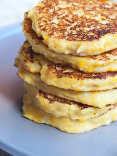We love these fluffy creamed corn cakes – they're fast, flavoursome and have just four ingredients. They're a great way of using up leftover rice, although more often than not, I … Creamed Corn Recipes, Creamed Corn Can, Veggie Recipes, Leftover Corn Recipe, Cream Corn Fritters, Pancakes And Waffles, Fluffy Pancakes, Corn Dishes, Savoury Baking