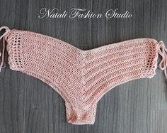 Artículos similares a Traje de baño de ganchillo hecho a mano del ganchillo boyshorts shorts de ganchillo traje de baño Crochet bikini en Etsy