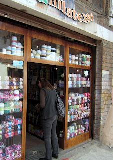 yarn shop in cuenca, look at the yarn in the windows!