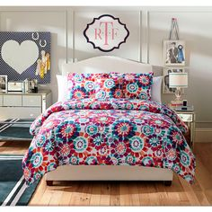 Liven up your bedroom with the fresh and fun Fanfare Comforter Set. Decked out in a whimsical multicolored floral pattern, the vibrant bedding instantly adds an eye-catching pop of color to any room& décor. Teenage Beds, Twin Comforter Sets, Floral Comforter, Big Girl Rooms, Kids Rooms, New Room, Bedding Shop, Queen Bedding, Comforters