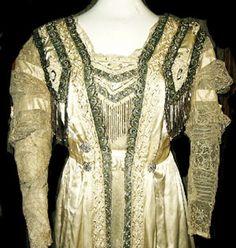 Google Image Result for http://www.bustledress.com/aab/lisa/article.pics/gown.date/2009.02.26.01/edwardian.dress.3.jpg