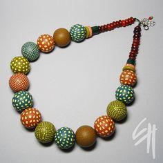 Dotty nacklace by E.H.design, via Flickr