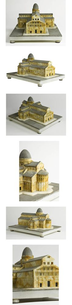 An Italian, c. 1870 highly-detailed Grand Tour alabaster model of Pisa's Cathedral - Dim: 6.5 in.Hx9 in.Wx11 in.D // 17 cmHx23 cmWx28 cmD