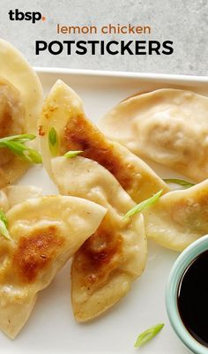 Delicious little dumplings packed with lemon chicken filling. Yummy Appetizers, Appetizer Recipes, Snack Recipes, Healthy Low Carb Dinners, Healthy Snacks, Corn Dog Muffins, Best Lunch Recipes, Ground Chicken Recipes, 30 Minute Meals