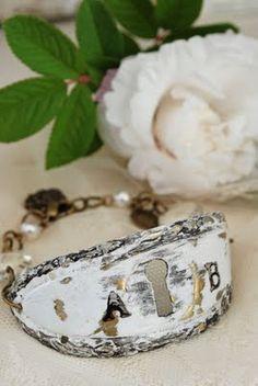 ADORE!!  keyhole plate bracelet <3