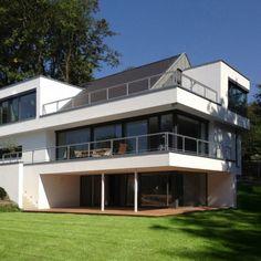 Satteldachhaus modern interpretiert | stylondo.com - die Nr. 1 für Ihr Zuhause - Hausbau, Einrichten, Architektur und Interior Design