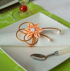 16be5c2da70d ... Un grand Marché · Rond de serviette fleur orange, deco de table  élégante et raffinée