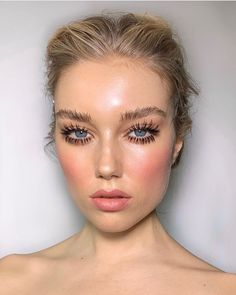 - -Natural makeup look ideas everyday for a better self, nude makeup ideas, natural makeup ideas for girls and woman, Simple Everyday Office Makeup Natural & Easy Ideas for Professional and Business Looks Nude Makeup, Kiss Makeup, Hair Makeup, Makeup Pics, Blonde Makeup, Makeup Shop, Makeup Ideas, Beauty Make-up, Beauty Hacks