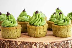 Keto Matcha Green Tea Cupcakes - Perfect Keto