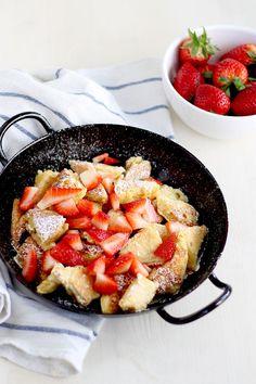 Fluffiger Kaiserschmarrn mit Erdbeeren - provinzkindchen