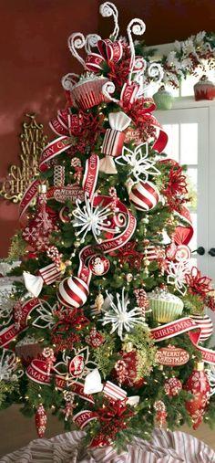 Beautiful Christmas Tree Design and Decor Ideas (42)