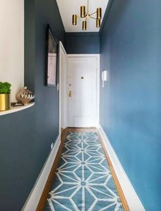 A Guide to Buying and Decorating with Rugs Long Hallway Runners, Entryway Runner, Entryway Rug, Hallway Rug, Hallway Ideas, Hallway Paint, Hotel Hallway, Estilo Interior, Halls