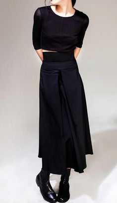 Avan-Garde Loose fitting Wide Leg Japanese Style Asymmetrical High Waist Bandage Skirt Trouser - Best Picture For fashion diy For Your Taste You are looking for something, and it is going to tel - Japanese Minimalist Fashion, Japanese Fashion, Japanese Style, Look Fashion, Urban Fashion, Fashion Styles, Street Fashion, Looks Total Black, Mode Simple
