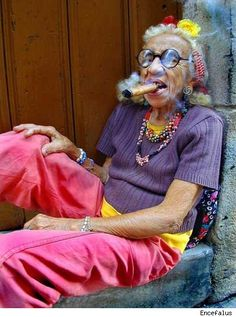 30 Old People Having Fun (Photos) - Urlesque Dame Chic, Oki Doki, Estilo Tropical, People Having Fun, Serge Gainsbourg, Sr1, Youre My Person, Advanced Style, Young At Heart