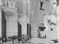 plaza del humilladero con carro