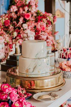 Lorena e Genilson | Cerimônia civil intimista e cheia de detalhes em Belém Naked Cakes, Table Decorations, Home Decor, Pie Wedding Cake, Civil Ceremony, Groom Wear, Candy Table, Civil Wedding