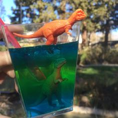 Queue up Jurassic World and have a viewing party (or an awesome birthday party) using these dino-mite party recipes. Dinosaur Birthday Party, Birthday Party Games, 4th Birthday Parties, Birthday Ideas, Themed Parties, 3rd Birthday, Dinosaur Eggs, Cute Dinosaur, Jurassic World Cake