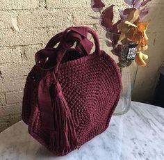 Crochet Handbags, Crochet Purses, Unique Bags, Market Bag, Love Crochet, Crochet Fashion, Crochet Accessories, Crochet Designs, Small Bags