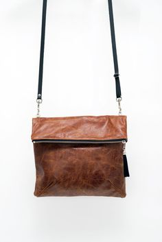 VEINAGE VEINAGE SAC MBRE BRUN/ROUILLE Orange Brown, Brown Brown, Brown Purses, Leather Handbags, Leather Bags, Evening Bags, Laptop Sleeves, Clutch Bag, Purses And Bags