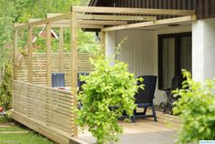 The pergola kits are the easiest and quickest way to build a garden pergola. There are lots of do it yourself pergola kits available to you so that anyone could easily put them together to construct a new structure at their backyard. Diy Pergola, Hot Tub Pergola, Cheap Pergola, Backyard Pergola, Pergola Shade, Diy Patio, Small Pergola, Patio Ideas, Garage Pergola