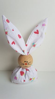 treats for easter bunny \ treats for easter - treats for easter bunny - treats for easter kids Bunny Crafts, Easter Crafts For Kids, Kids Diy, Craft Stick Crafts, Diy And Crafts, Diy Osterschmuck, Diy Ostern, Easter Bunny Decorations, Easter Treats