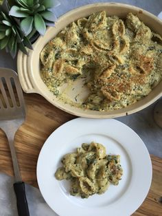 Spinach Artichoke Vegan Mac n Cheese! So creamy & delicious. A must try!