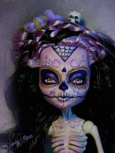 http://www.laurieleighart.com/images/Esqueleta007.jpg