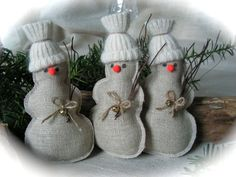 This is cute handmade Christmas Snowmen.  They will look great on the Christmas Tree, or as your table decoration, also perfect for Christmas gift.