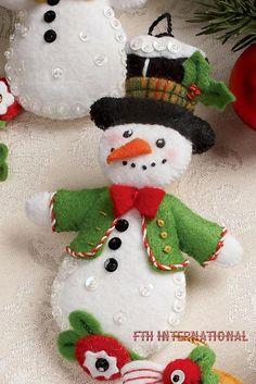 Bucilla Let It Snowman 6 Piece Felt Christmas Ornament Kit 86186 Frosty Lady Felt Christmas Decorations, Christmas Ornaments To Make, Christmas Sewing, Felt Ornaments, Christmas Projects, Felt Crafts, Handmade Christmas, Holiday Crafts, Beaded Ornaments