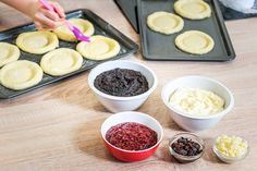 Nestárnoucí klasika: kynuté koláče. S návodem krok za krokem! - Proženy Pudding, Desserts, Food, Tailgate Desserts, Deserts, Custard Pudding, Essen, Puddings, Postres