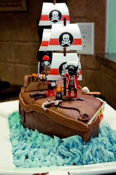 parties - pirate ship cake