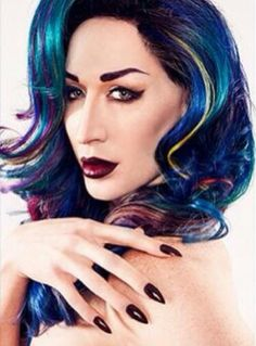Detox Icunt--belongs to my crushes board but that hair makes her deserving of a spot in the awesome hair category.