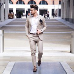 Men's Fashion: Classy Look Via Our Good Friend Mens Casual Dress Outfits, Mens Casual Suits, Blazer Outfits Men, Mens Fashion Suits, Men Dress, Dress Shoes, Designer Suits For Men, Designer Clothes For Men, Indian Men Fashion