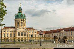 Schloss Charlottenburg (August 2017) #Charlottenburg #Berlin #Deutschland #Germany #SchlossCharlottenburg #biancabuergerphotography #igersgermany #igersberlin #IG_Deutschland #IG_berlincity #ig_germany #shootcamp #pickmotion #berlinbreeze #diewocheaufinstagram #berlingram #visit_berlin #canon #canondeutschland #EOS5DMarkIII #5Diii #architecture #Architektur #Sightseeing #castle #biancabfoco