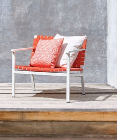 9 Striking Examples of Modern Outdoor Furnishings - Connecticut Cottages & Gardens - May 2016 - Connecticut