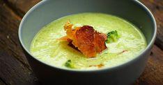 Brokkolikrémleves baconchips-szel recept képpel. Hozzávalók és az elkészítés részletes leírása. A Brokkolikrémleves baconchips-szel elkészítési ideje: 40 perc Cream Of Broccoli Soup, Cream Soup, My Recipes, Cake Recipes, Bacon Chips, Goulash, What To Cook, Menu Planning, Guacamole