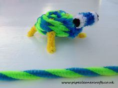 pipe cleaner turtle made with twisted pipe cleaners and with pipe cleaner eyes