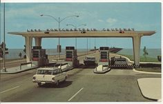 A 1960 Lake Pontchartrain Causeway tollbooth is at Kenner, LA - causeway bridge. Downtown New Orleans, New Orleans Louisiana, Lake Pontchartrain, Old Hospital, Thing 1, Crescent City, Back In The Day, Old Photos, Image Search