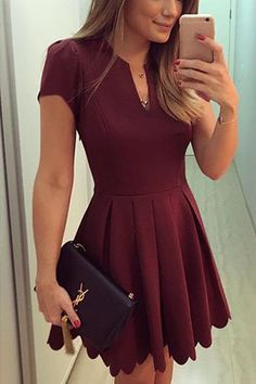Burgundy V-neck Dress with High-waisted Design ==