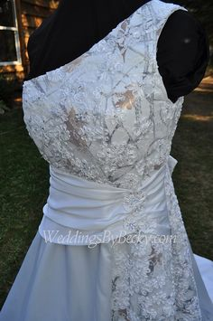 ** check out the cute deyail of lace/tulle over a white camo** Camo/ Beaded lace Wedding dress by WeddingsByBecky on Etsy Aline Wedding Gowns, 2015 Wedding Dresses, Formal Dresses For Weddings, Country Wedding Dresses, Wedding Attire, Bridal Dresses, Country Weddings, Blue Weddings, Wedding Country