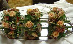 Bloemstuk als tafelversiering uit drie delen - tafelstuk om op tafel te schikken als decoratie