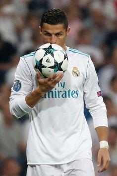 Real Madrid v Apoel Cristiano Ronaldo Video, Cristiano Ronaldo Hd Wallpapers, Ronaldo Videos, Cristiano Ronaldo Manchester, Cristiano Ronaldo Portugal, Cristino Ronaldo, Ronaldo Football, Cr7 Jr, Madrid Football Club