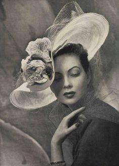 vintage 1950's fashion hat