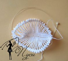 free Pretty crochet leaf with pattern. This is also used as a petal in an orchid like flower that I am also pinning. Beau Crochet, Crochet Flower Hat, Crochet Hat With Brim, Crochet Leaves, Crochet Hats, Crochet Socks Pattern, Crochet Jewelry Patterns, Irish Crochet Patterns, Crochet Motifs
