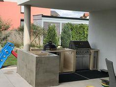 Bbq Island, Island Kitchen, Kitchen Layout, Kitchen Decor, Smoke House Diy, Outdoor Kitchen Bars, Bbq Area, Steel Frame, Outdoor Ideas